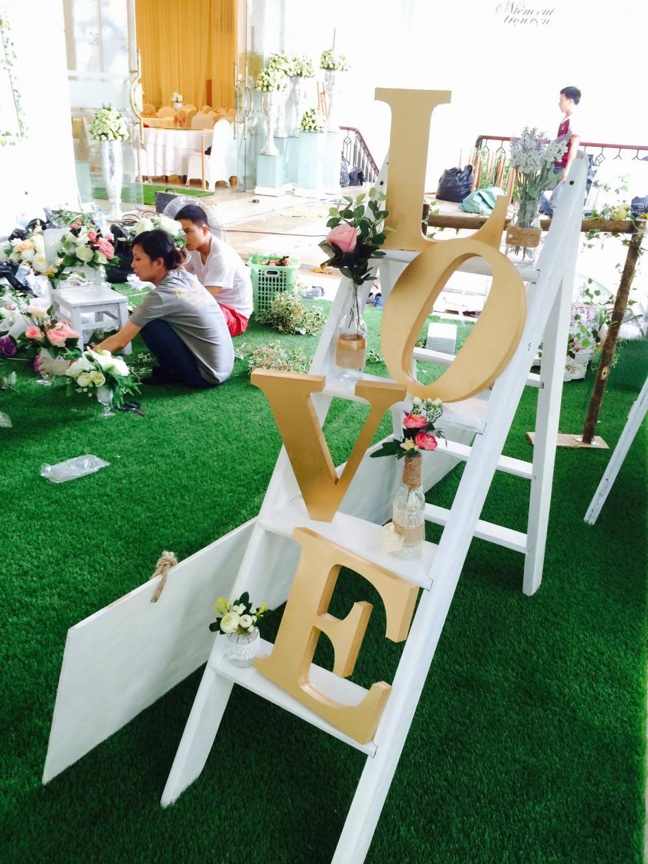 Tham co nhan tao trang tri cho su kien tai Thuy Nga Plaza _EkphN → Công ty AFD grass
