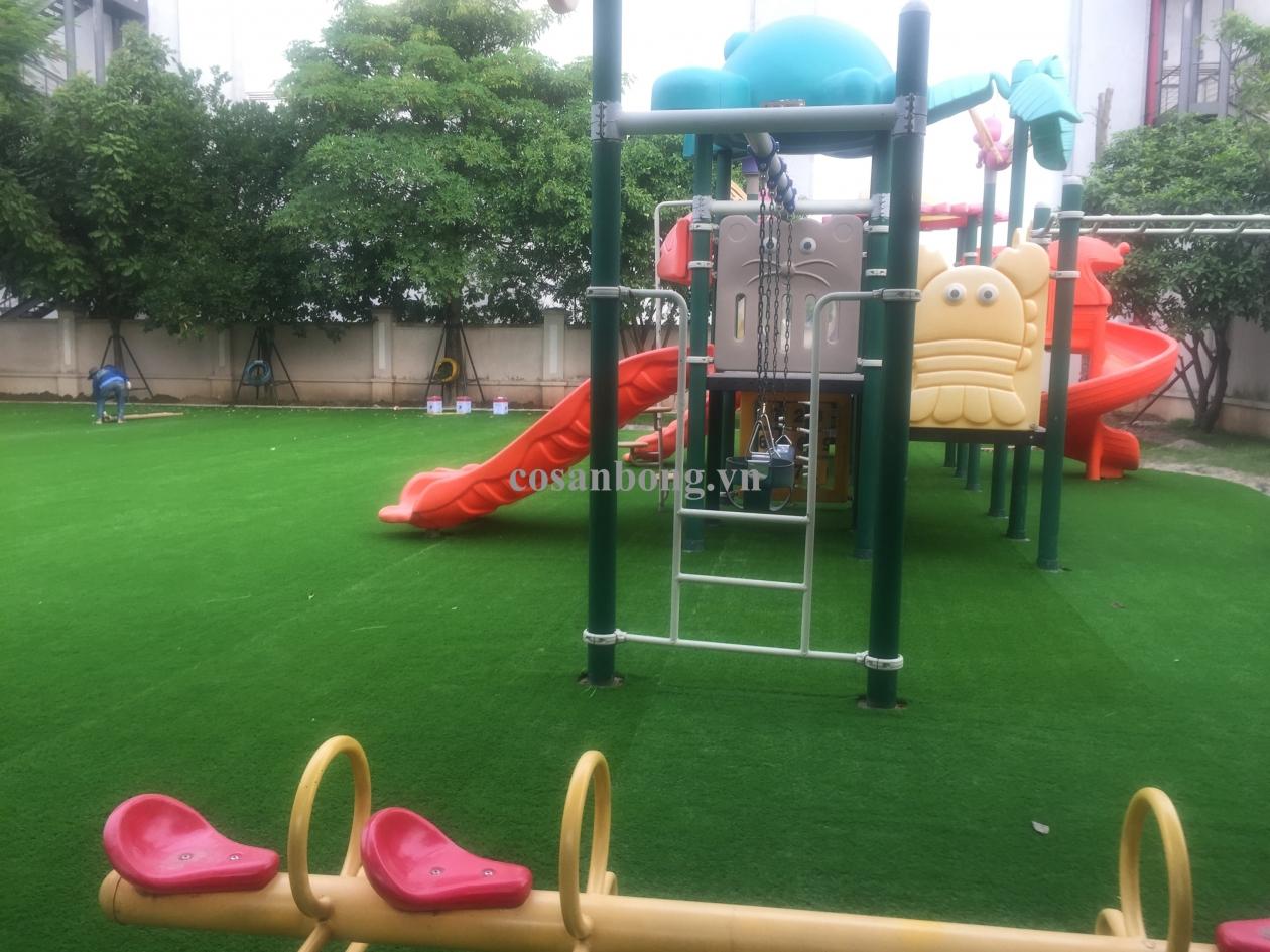 San choi truong mam non trong KdT Vinhomes Rive side _GOECS → Công ty AFD grass